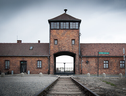 Auschwitz & Birkenau + Hidden Treasures Walking Tour