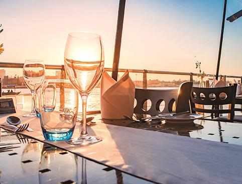 Bateaux Dubai Dinner Cruise - Dubai Creek