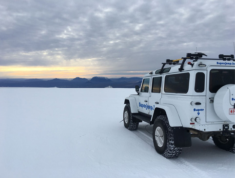 Borgafjord and Ice cave tour by Jeep