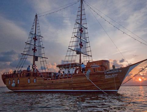 Columbus Candlelit Cruise - Surf & Turf Dinner