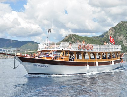 Cruise The Blues - Boat Trip with Lunch