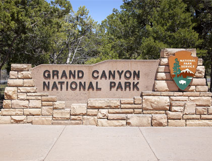 Grand Canyon South Rim Bus Tour + FREE Show!