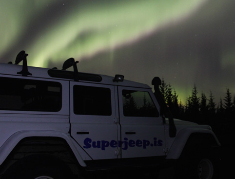 Northern Lights By Jeep