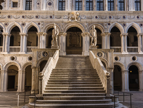 Discover Venice Walking Tour & Doge Palace Entry