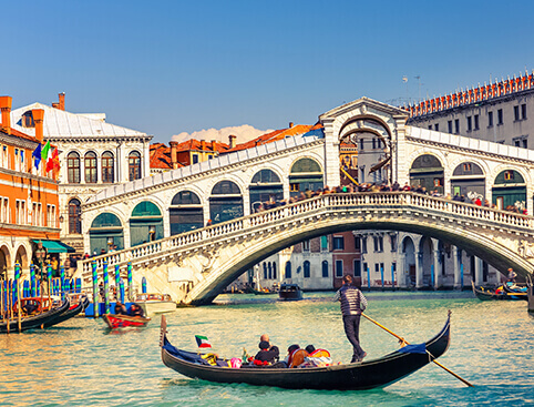 Discover Venice Walking Tour & Gondola Ride
