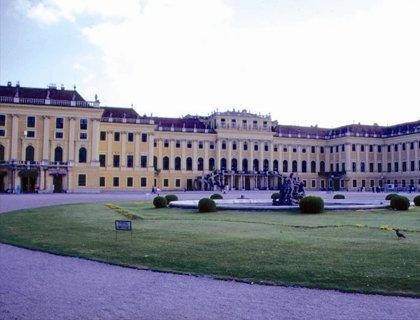 Vienna Tour from Prague